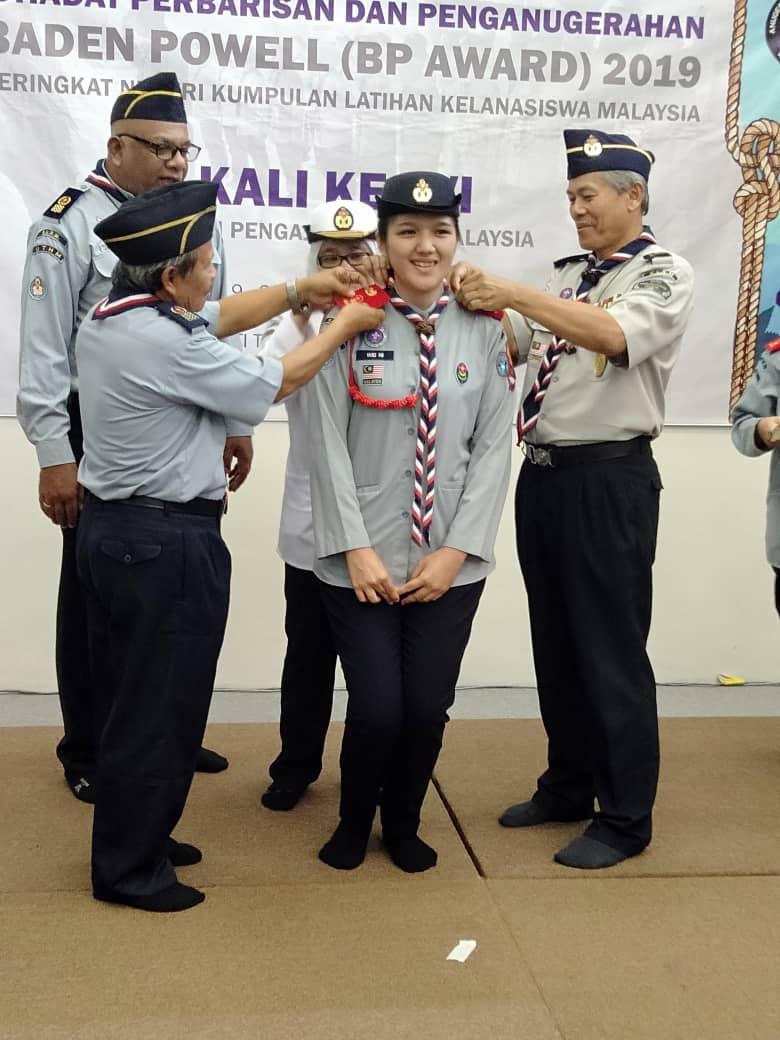 Seventy percent of female senators were Girl Scouts. Make